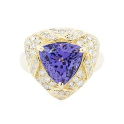 14KT Yellow Gold 4.47 ctw Tanzanite and Diamond Ring