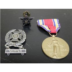 WWII ERA MEDAL & BADGES-VICTORY MEDAL-EXPERT BADGE