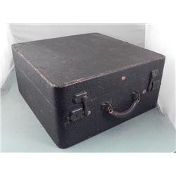 Aviatrix Wheary Vintage Union Pacific Railorad Suitcase