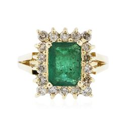 14KT Yellow Gold 1.94 ctw Emerald and Diamond Ring