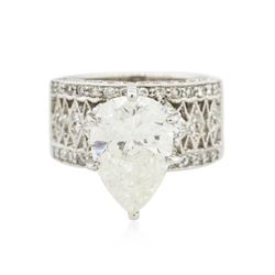 18KT White Gold 5.86 ctw Diamond Ring