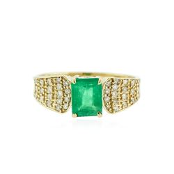 14KT Yellow Gold 1.06 ctw Emerald and Diamond Ring