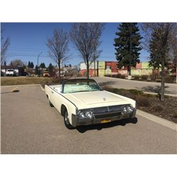 3:30 PM 1961 LINCOLN CONTINENTAL RETRACTABLE CONVERTIBLE - BEAUTIFULLY RESTORED