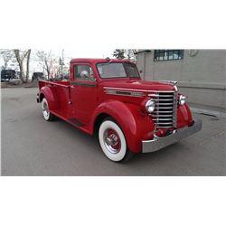 1948 DIAMOND T TRUCK (red)