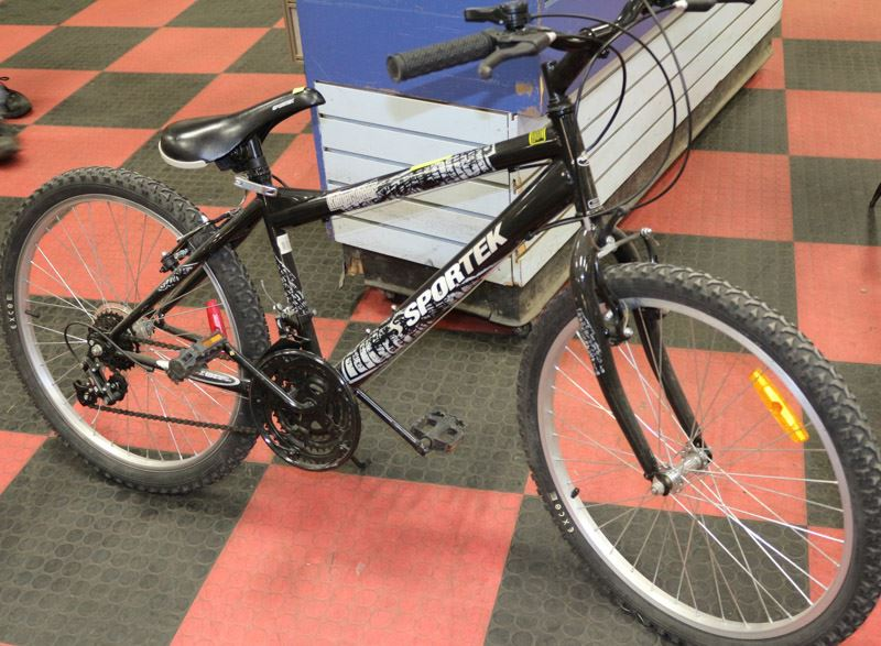 Sportek Ridgerunner 18 Speed Mountain Bike Casting and fishing is their mission and rhey reach perfection. sportek ridgerunner 18 speed mountain bike