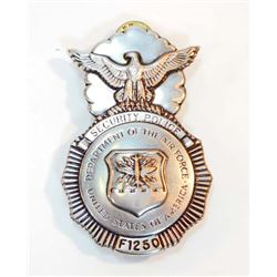 OBSOLETE DEPARTMENT OF THE AIR FORCE USA SECURITY POLICE BADGE