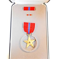 BOXED & CASED US DESERT STORM ERA BRONZE STAR DECORATION
