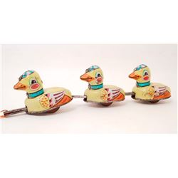 VINTAGE TIN LITHO DUCK PULL TOY