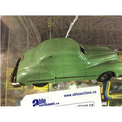 VINTAGE SCHUCO WIND-UP TOY CAR WITH KEY