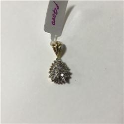 ONE 10KT YELLOW GOLD AND RHODIUM FINISH DIAMOND SET PENDANT WITH 27 DIAMONDS, APPROX 0.75CARAT