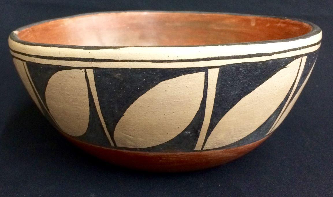 Santo Domingo Pottery Circa 1950s
