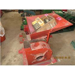 Hammermill grain crusher