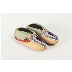 """Delaware Beaded Child's Moccasins, 7 """" long"""