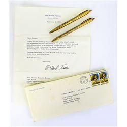 President & Mrs. Nixon Matching Pens