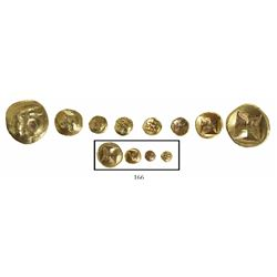 Lot of 4 Indonesian gold coins, Srivijaya Kingdom (680-1250 AD), cupped-type 1 massa, 1/2 massa and