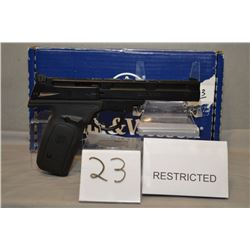 Smith & Wesson Model 22 - A - 1 .22 LR cal 10 shot Semi Automatic Pistol w/ 140 mm bbl [ appears as