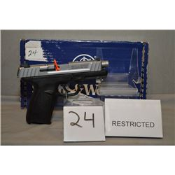 Smith & Wesson Model SD9 V E .9 MM cal 10 shot Semi Automatic Pistol w/ 107 mm bbl [ appears as new,