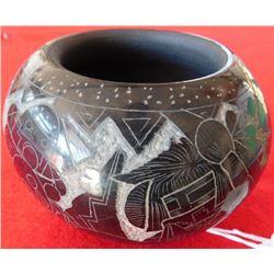 Dalawepi 1950s Finely Carved Olla