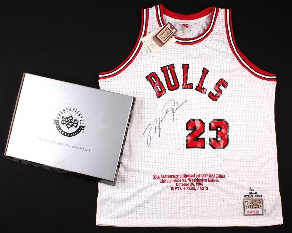cd1a0cbcf7e Image 1 : Michael Jordan Signed LE Authentic Mitchell & Ness