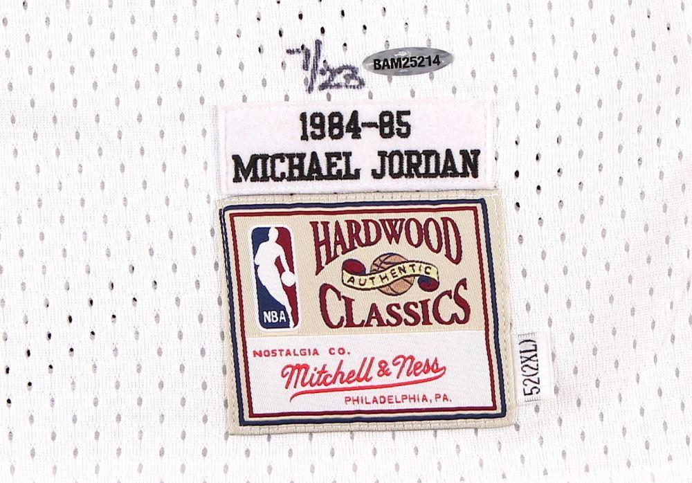 84e2a4a973a ... Image 4 : Michael Jordan Signed LE Authentic Mitchell & Ness