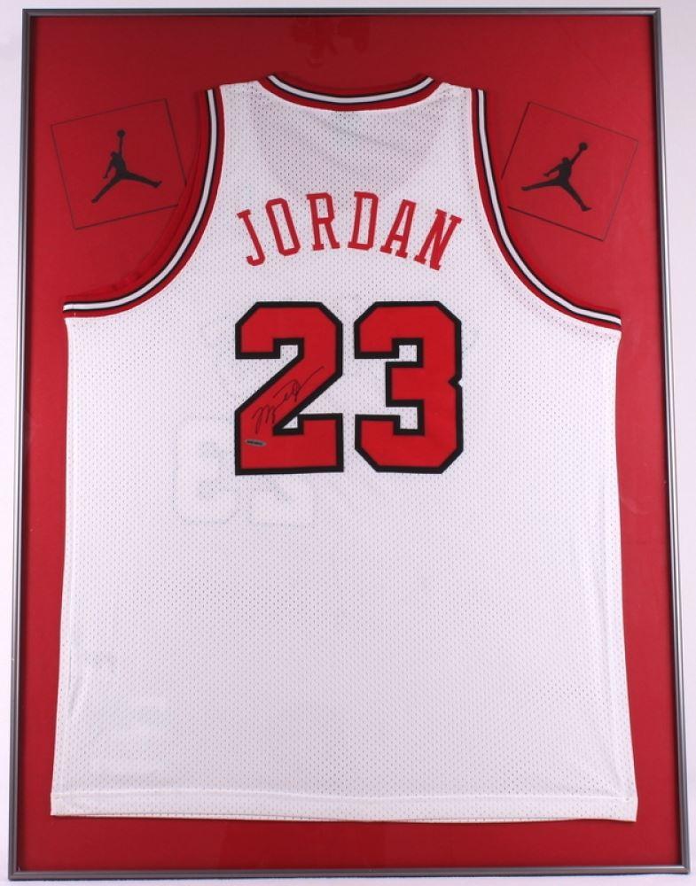 hot sale online 8e0c2 35542 Michael Jordan Signed Bulls 30x40 Custom Framed Jersey ...