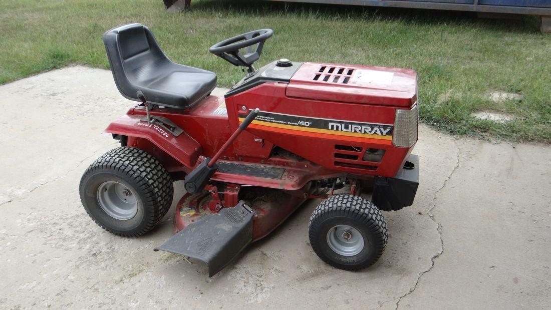 "Murray riding mower, 14 hp, 40"" cut, w/ bagger"