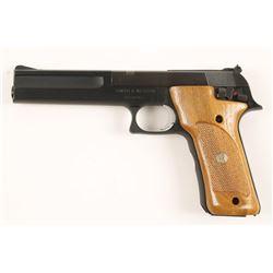 Smith & Wesson 422 Cal: .22 LR SN: TBZ9791