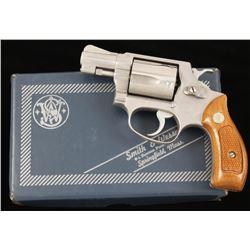 Smith & Wesson 60 Cal: .38 Spl SN: R129032