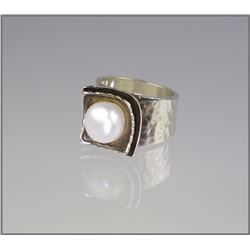 Contemporary Pearl & Sterling Silver Ring