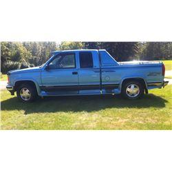 1996 GMC 1500 - 150,000 km.