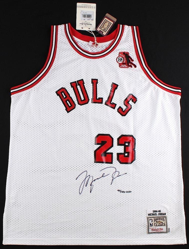 095ad70378d ... Image 2 : Michael Jordan Signed LE Authentic Mitchell & Ness 1984-85  Bulls Rookie ...