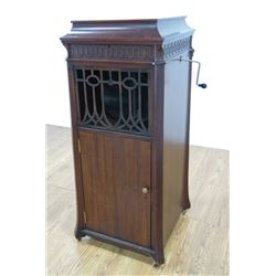Stand Up Edison Disc Phonograph