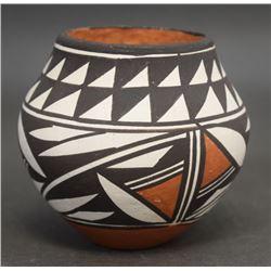 ACOMA POTTERY JAR (LENO)