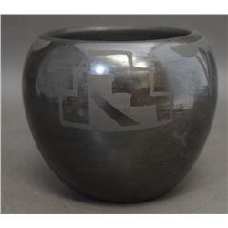 SANTA CLARA POTTERY JAR (SISNEROS)
