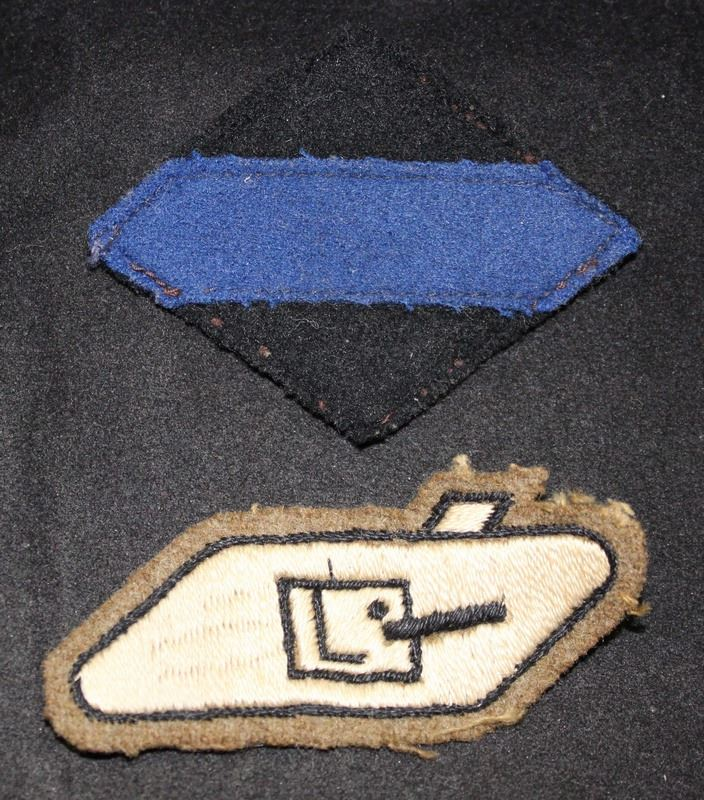 H113  2nd Canadian Armoured Brigade, Tank sleeve badge lot