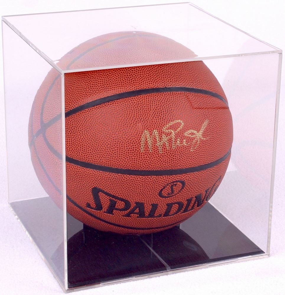 buy popular cd534 25da0 Magic Johnson Signed Basketball with Display Case (PSA COA)