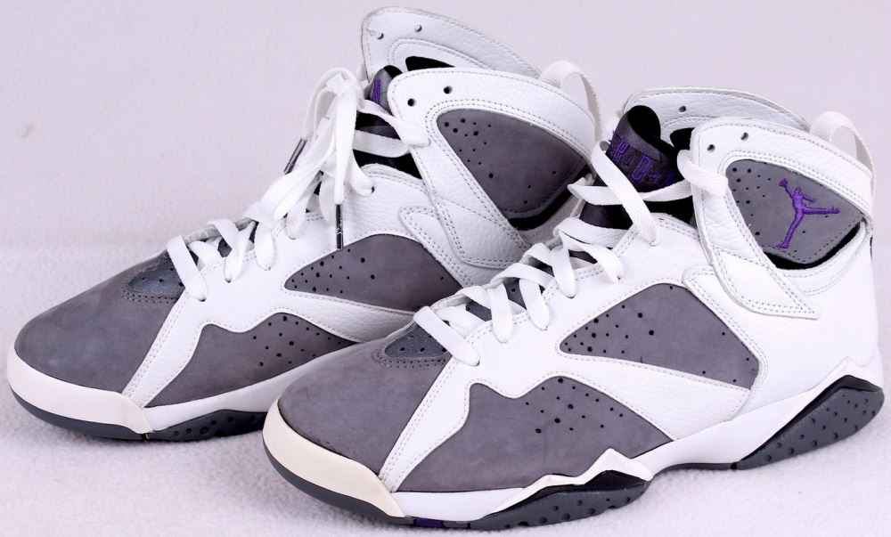 c015f05abbba1a Pair of (2) Michael Jordan Air Jordan VII Shoes with (1) Signed (PSA ...