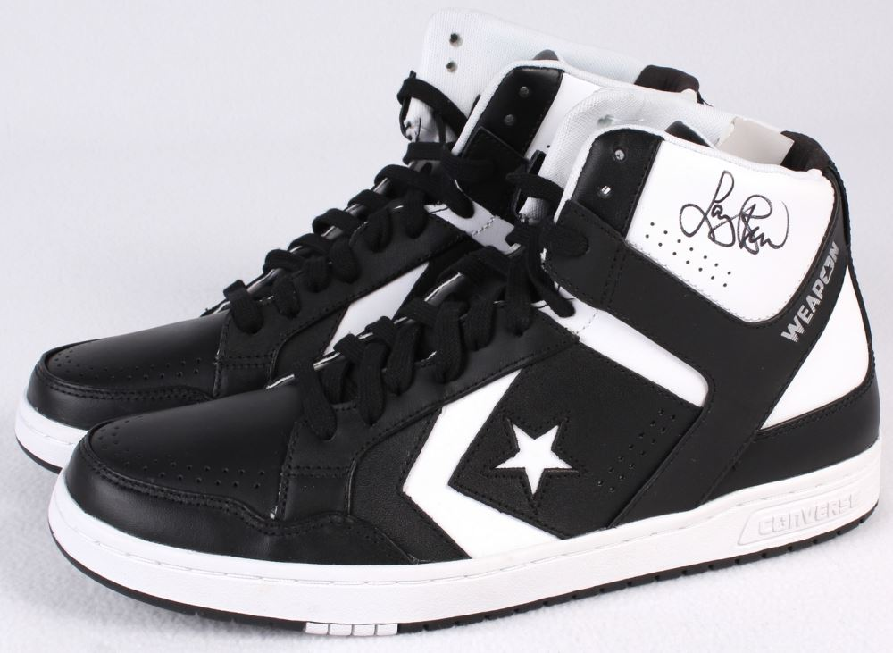 sports shoes df5a5 823c0 Larry Bird Signed Pair of Converse Weapon Shoes (Bird ...