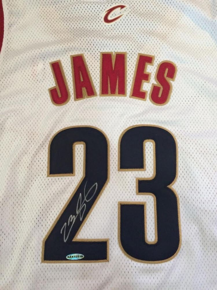 competitive price f94c2 b7b06 LeBron James Signed Cavaliers Authentic Reebok Rookie Jersey ...