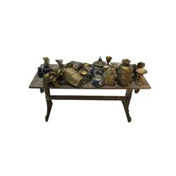 National Treasure Treasure Room Artifacts: Treasure Table