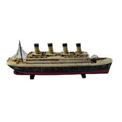 James Cameron Titanic Ship Model Movie Props