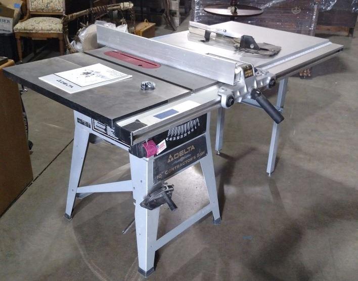 Delta 10 Contractor Table Saw