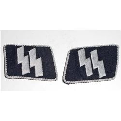 PAIR OF GERMAN NAZI WAFFEN SS OFFICERS DOUBLE RUNIC COLLAR TABS