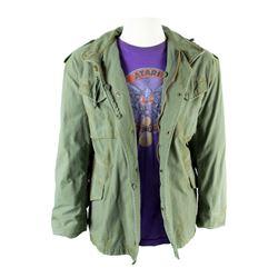 Ludlow (Josh Gad) Hero Army Jacket & Atari Yar's Revenge T-Shirt from Pixels
