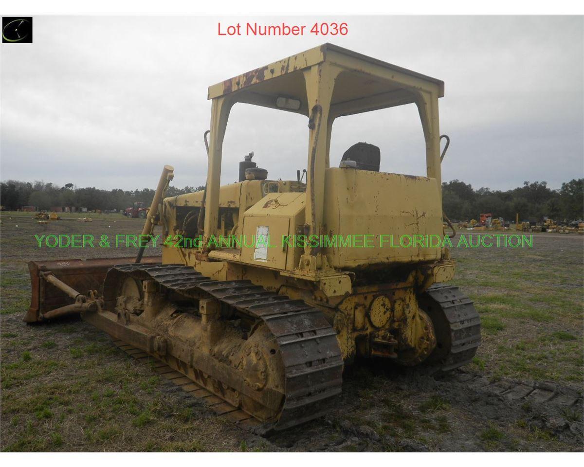 Caterpillar D5B Crawler Tractor, Sn  D5B44X0626, 3306 dsl  eng , manual  angle tilt blade, new Cat ba