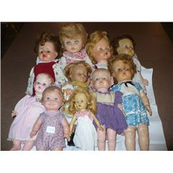 Lot of vinyl dolls (10)