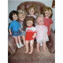Lot of Vinyl head dolls (6)