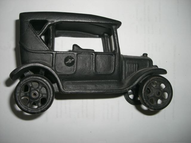 1924 Vintage Ford Car Iron Toy Stamped Iron Art Jm 135 Book Value 50 00 Item Came Out Of Estat