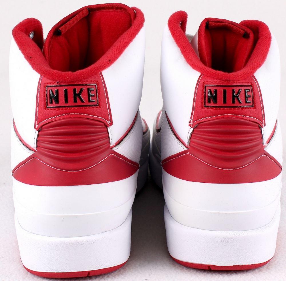68ba8a3fef5d34 Michael Jordan Signed New Pair of