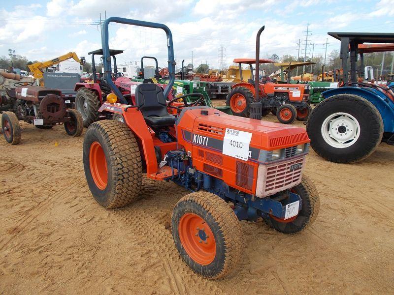 KIOTI LK3504 4X4 FARM TRACTOR, S/N 823500230, 3 PTH, PTO, ROLLBAR